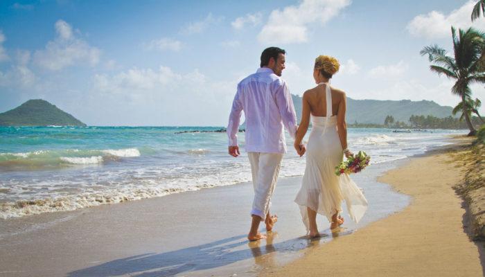 Coconut Bay Beach Resort St Lucia-Wedding_couple_beach-2